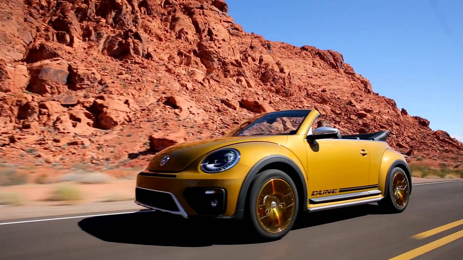 Stunning Yellow And Brown Volkswagen Beetle Dune Convertible 2016 Interior Color Row Hq Wallpaper 36
