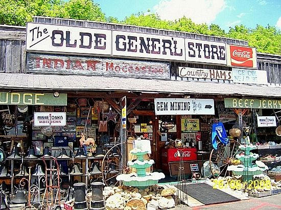 Old Man S Cave General Store : The old general store cave city ky love a mix of things