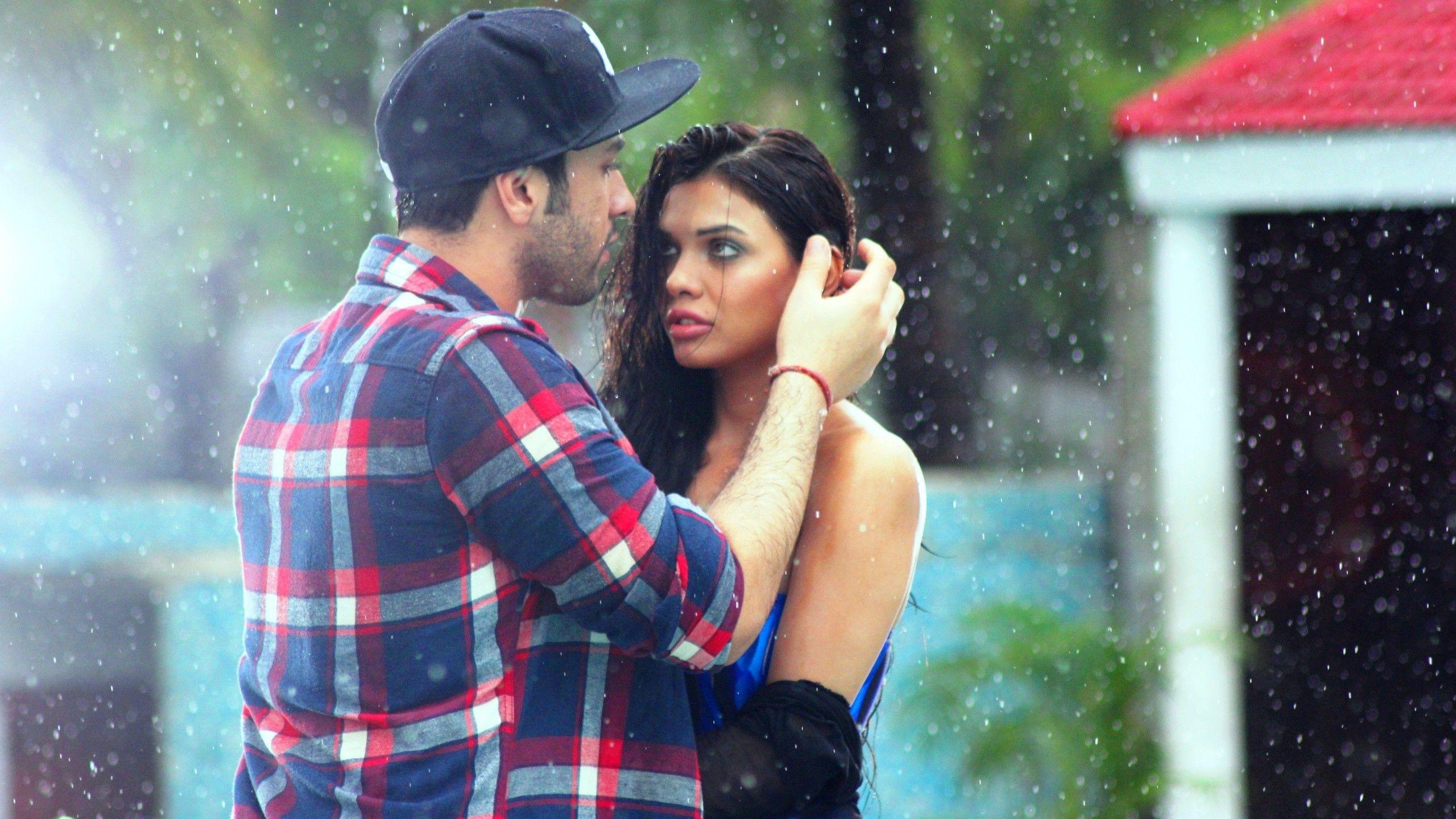 880 Romantic Couple Hd Wallpaper Download Terbaru