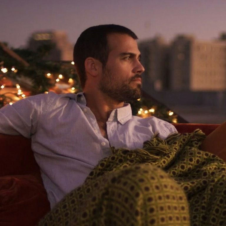 #TheTroubleWithMistletoe Very cute movie starring @thomas_beaudoin 🔥🔥& @therachelmelvin can be seen on @passionflix Book by @jillshalvis #FridayFeeling