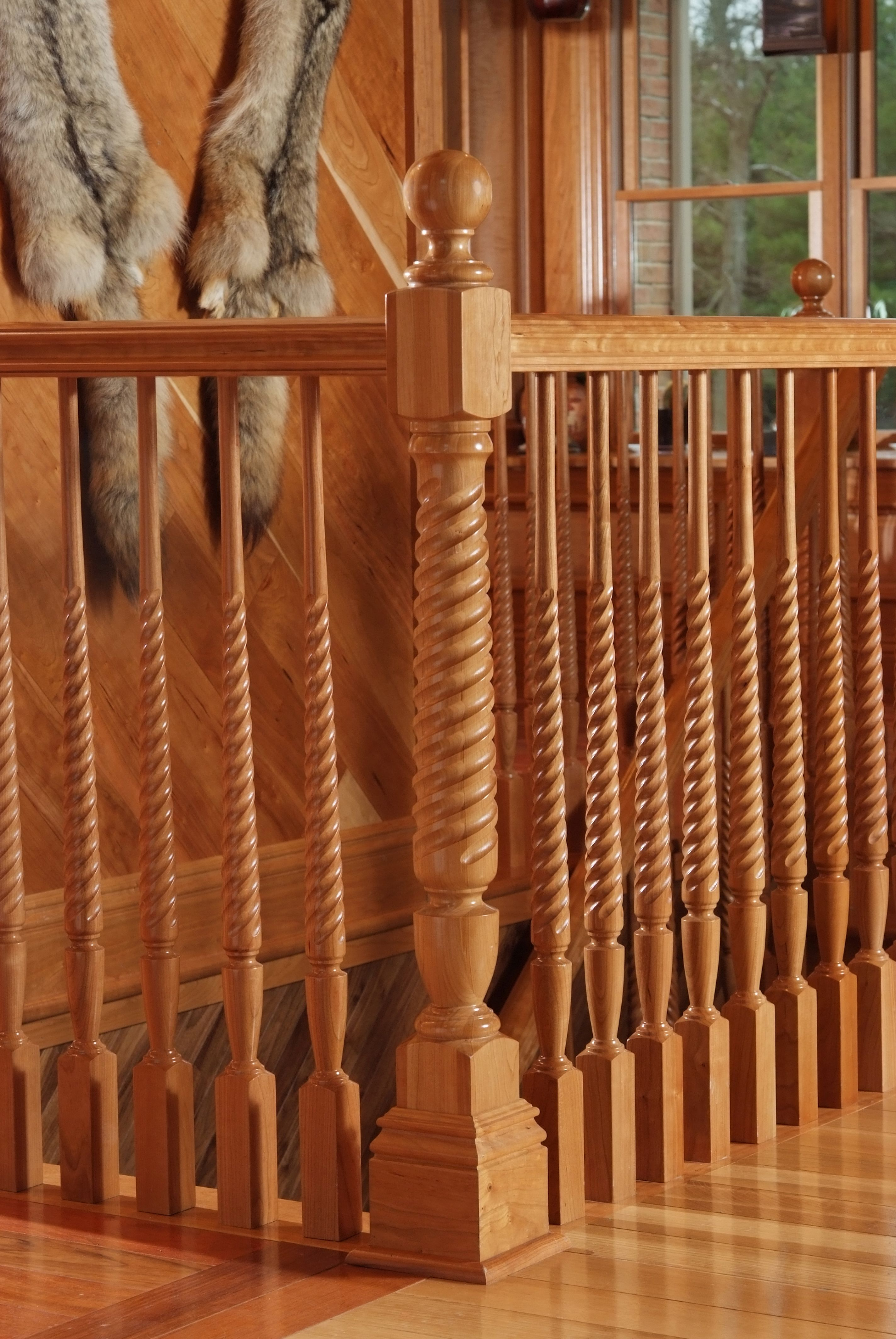 Best American Cherry Victorian Style Handrail With Twisted 640 x 480