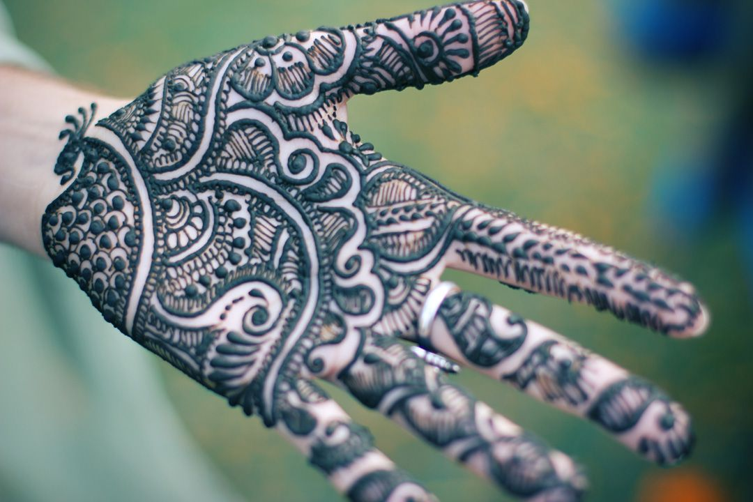 Intricate Henna Designs: Indian Wedding Gallery (With Images)