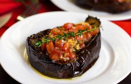 Μελιτζάνες γεμιστές με ντομάτες | Cretan Food News