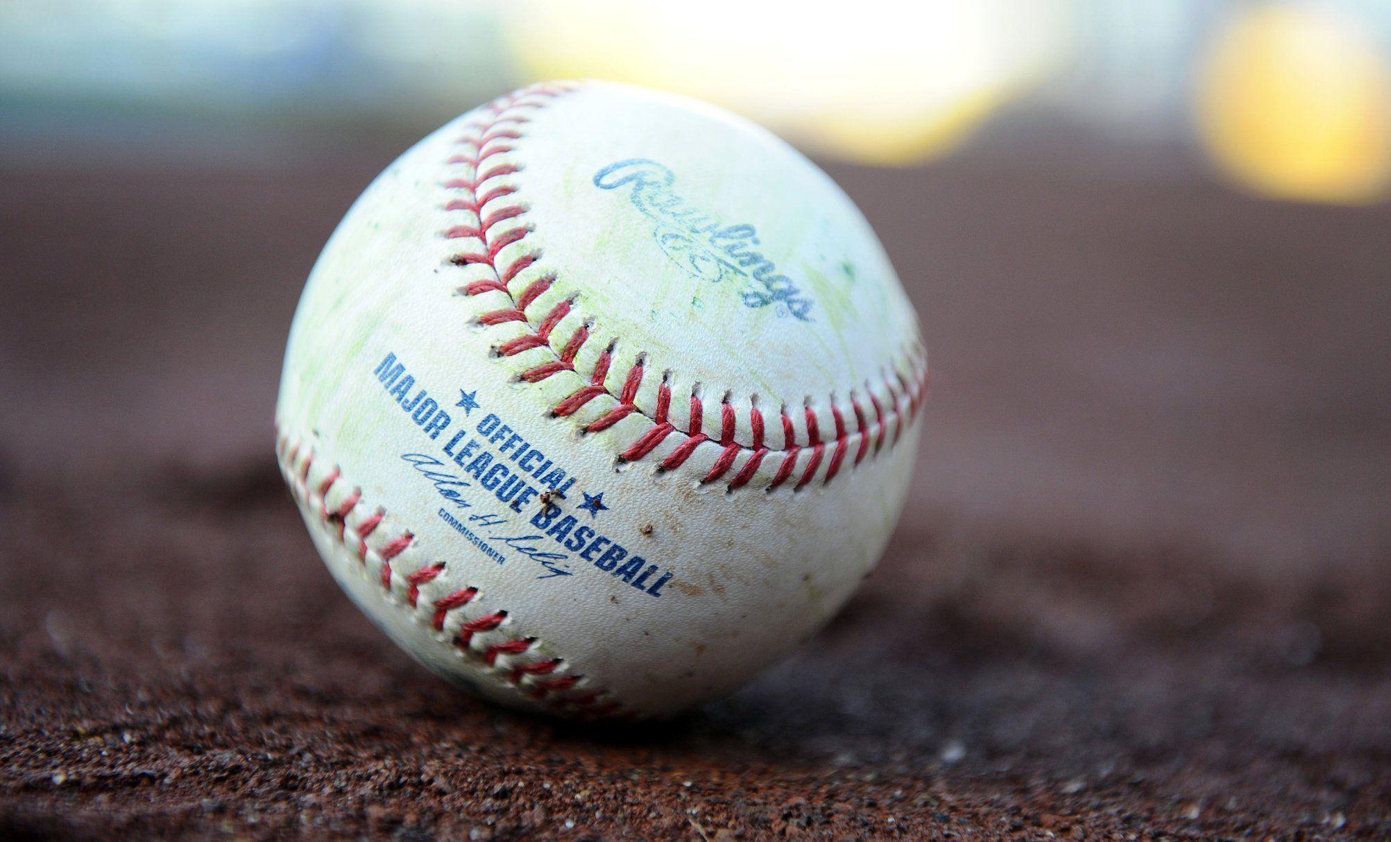 Mlb Com At Bat Updated With Customizable Team App Icon For Ios 10 3 Users Major League Baseball Baseball League