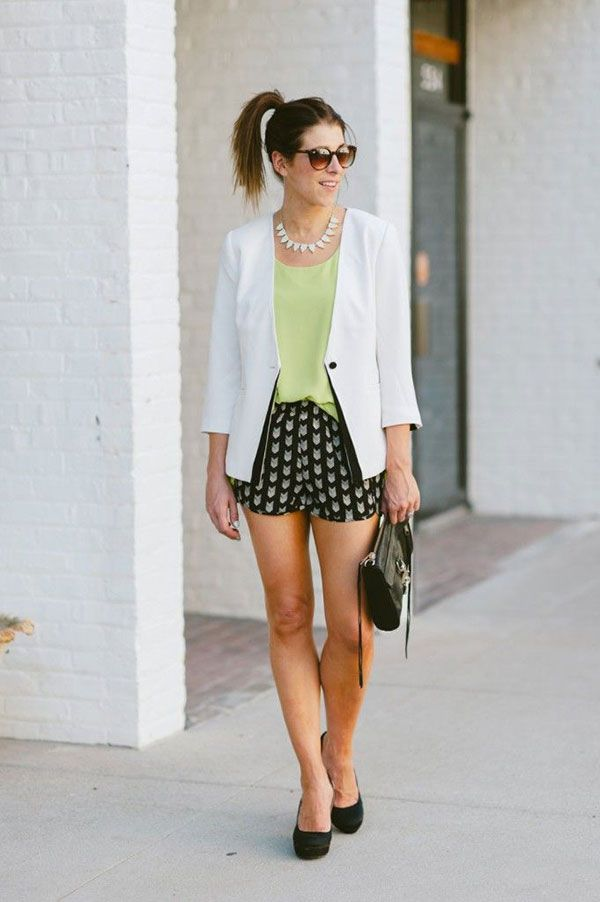 30afa1c1756e1 how to wear printed shorts 3. If you re wearing black and white printed  shorts