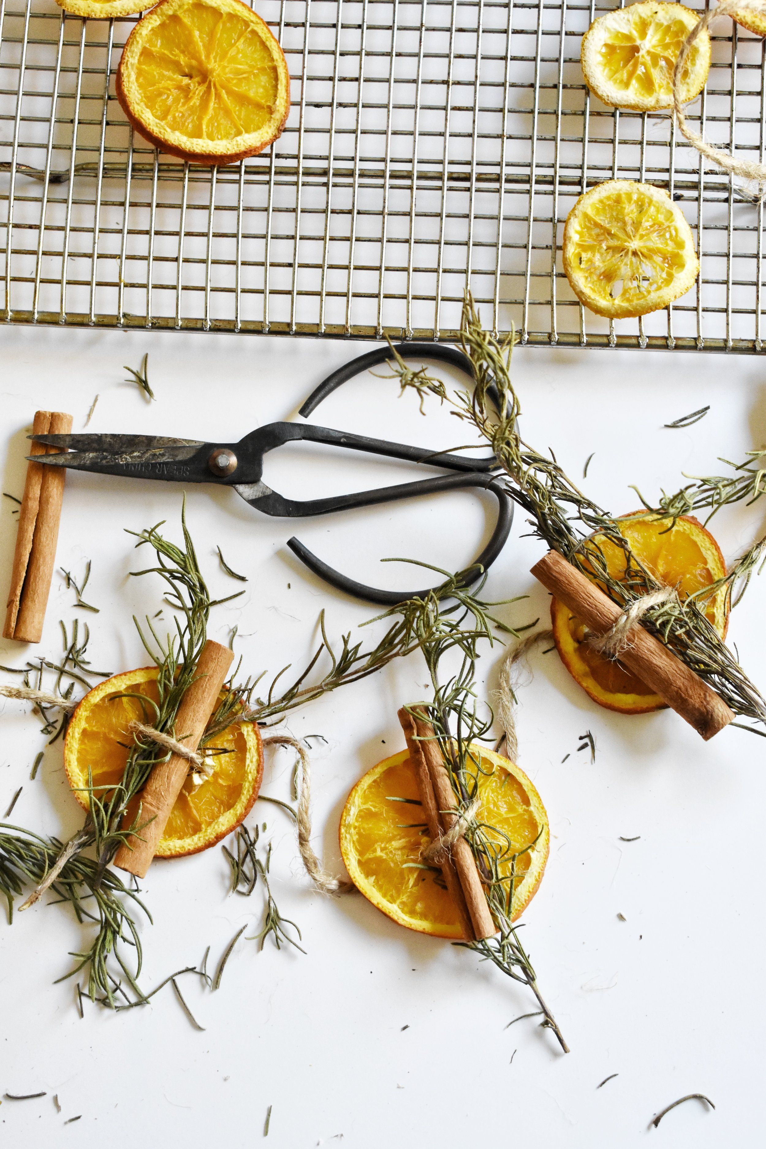 How to Make a Dried Orange Garland Thanksgiving