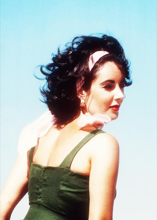 Elizabeth Taylor on set of Suddenly, Last Summer (1959)