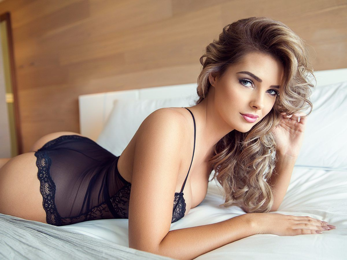 Hot chic pictures