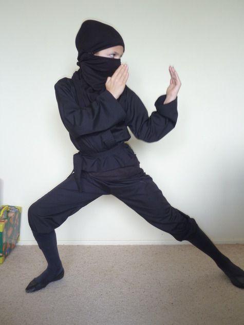 halloween 2010 ninja kost m und kind. Black Bedroom Furniture Sets. Home Design Ideas