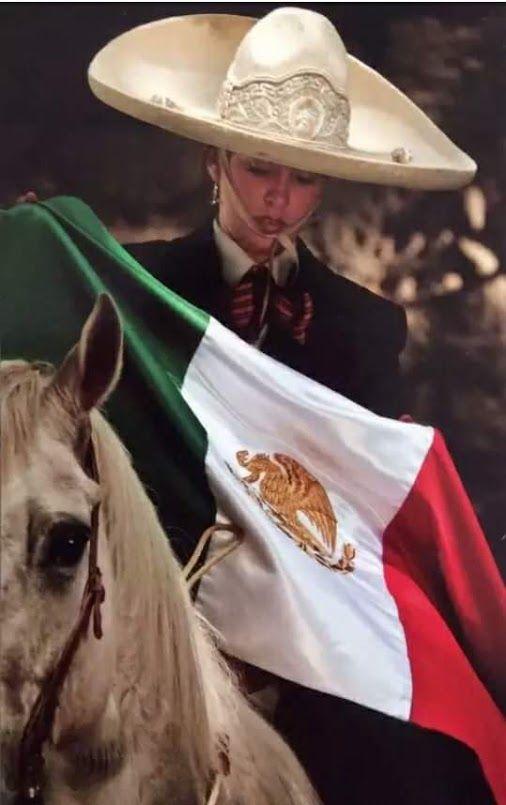 Luz Rios Mexico Lindo y Querido https://youtu.be/jzJnEFUMHPI Jorge Negrete - Mexico lindo y querido https://youtu.be/1jd_kdq2jlI
