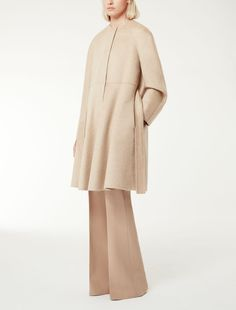 MAXMARA | Double layered pure cashmere coat with raglan sleeves and a flared line on the