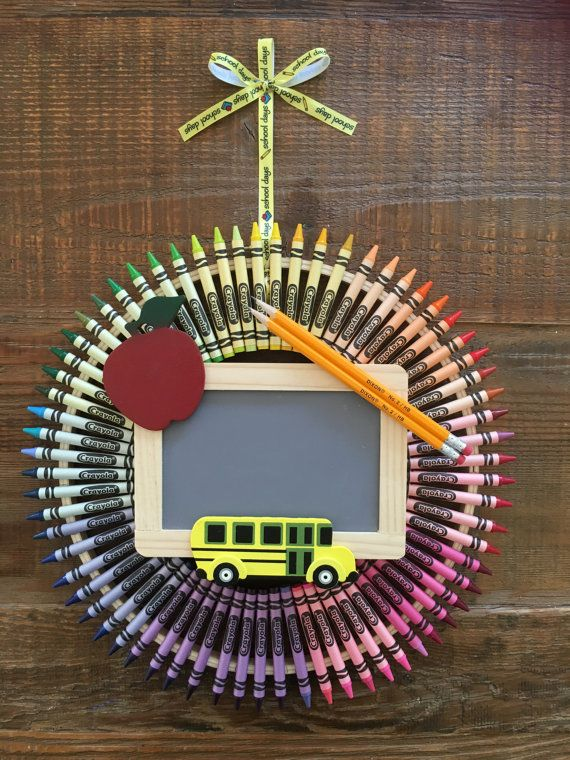 Crayon Wreath Back to School wreath Treacher by Wreathsbylmb