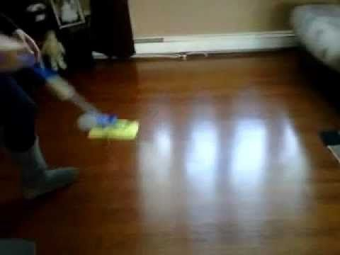 How To Clean Laminate Flooring Remove Streaksmear Marks Cleaning