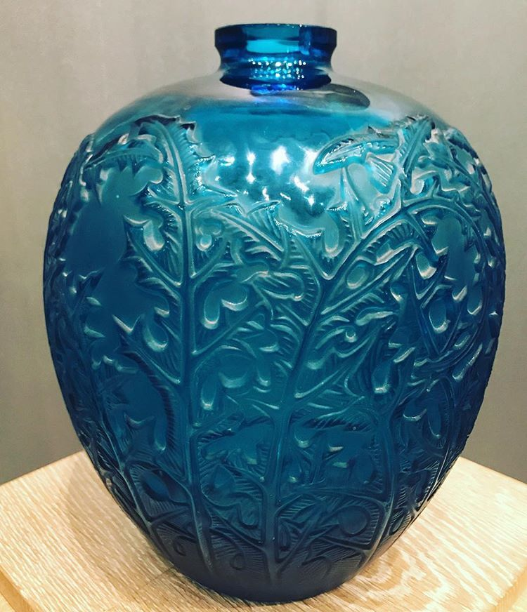 r lalique vase acanthes verre bleu lectrique souffl moul circa 1921 ren lalique en. Black Bedroom Furniture Sets. Home Design Ideas
