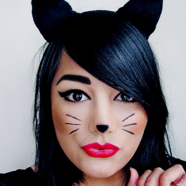 Halloween Schminke Katze.I Love This For A Quick And Easy Halloween Costume Chic Yet Simple Katze Schminken Katzen Make Up Halloween Kostum