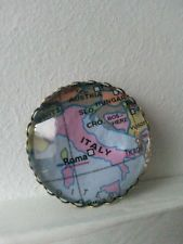 Vintage Style Cabochon Brooch with Italy map image