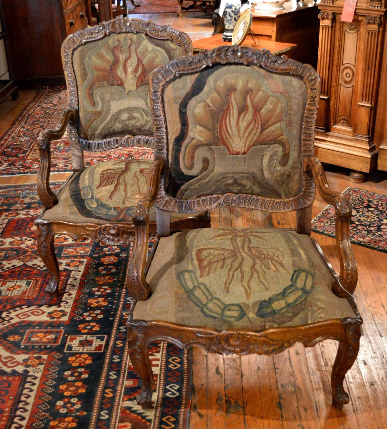 Pair Of Finely Carved Walnut Louis Xv Style Rococo Fauteuil A La Reine 1stdibs Com Antique Chairs Louis Xv Shop Chair