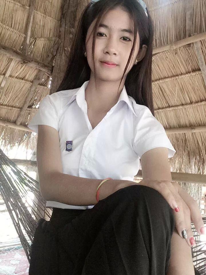 Sexy Cambodian Women of the Khemarak Post - Cambodia