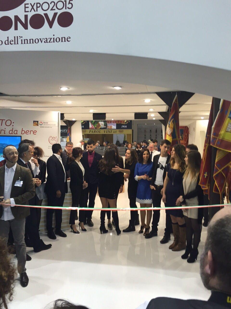 La partecipazione degli allievi del corso di diploma professionale per Tecnico di Cucina del nostro centro di Isola della Scala (VR) al Vinitaly 2015