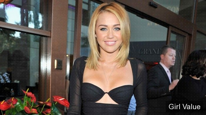 miley cyrus at australians in film awards
