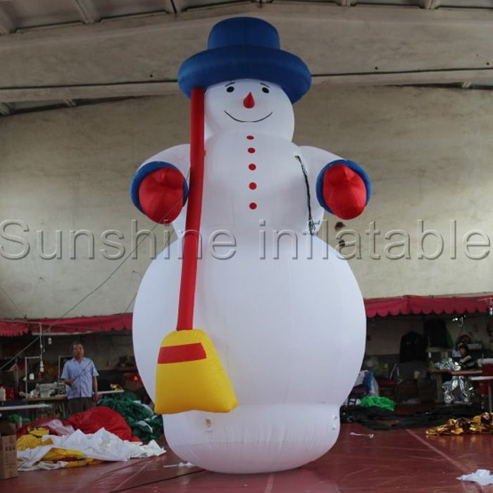 Hot Giant Christmas Inflatable snowman with broom for yard christmas - inflatable christmas yard decorations