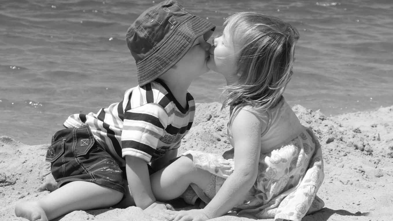 Прикольные картинки поцелуи детей