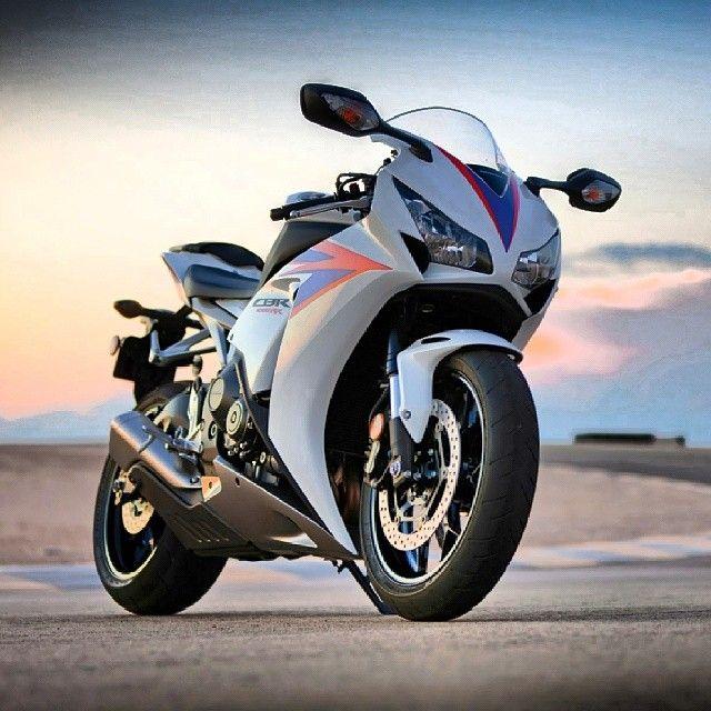 "@bikes_enchanter's Photo: ""Honda CBR900 ... #R1 #R6 #GSXR"