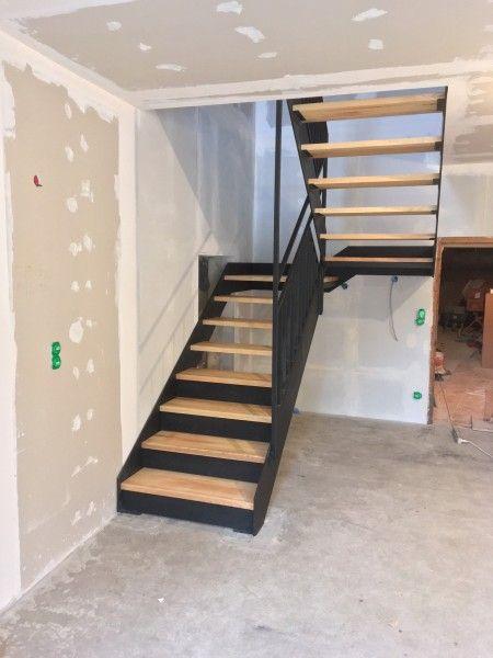 Escalier 1 2 Tournant Bois Et Metal Realise Par 2 Bois Et D Acier Ferronnerie Ebenisterie Forge A Dieulefit Drome Escalier Idees Escalier Escaliers Maison