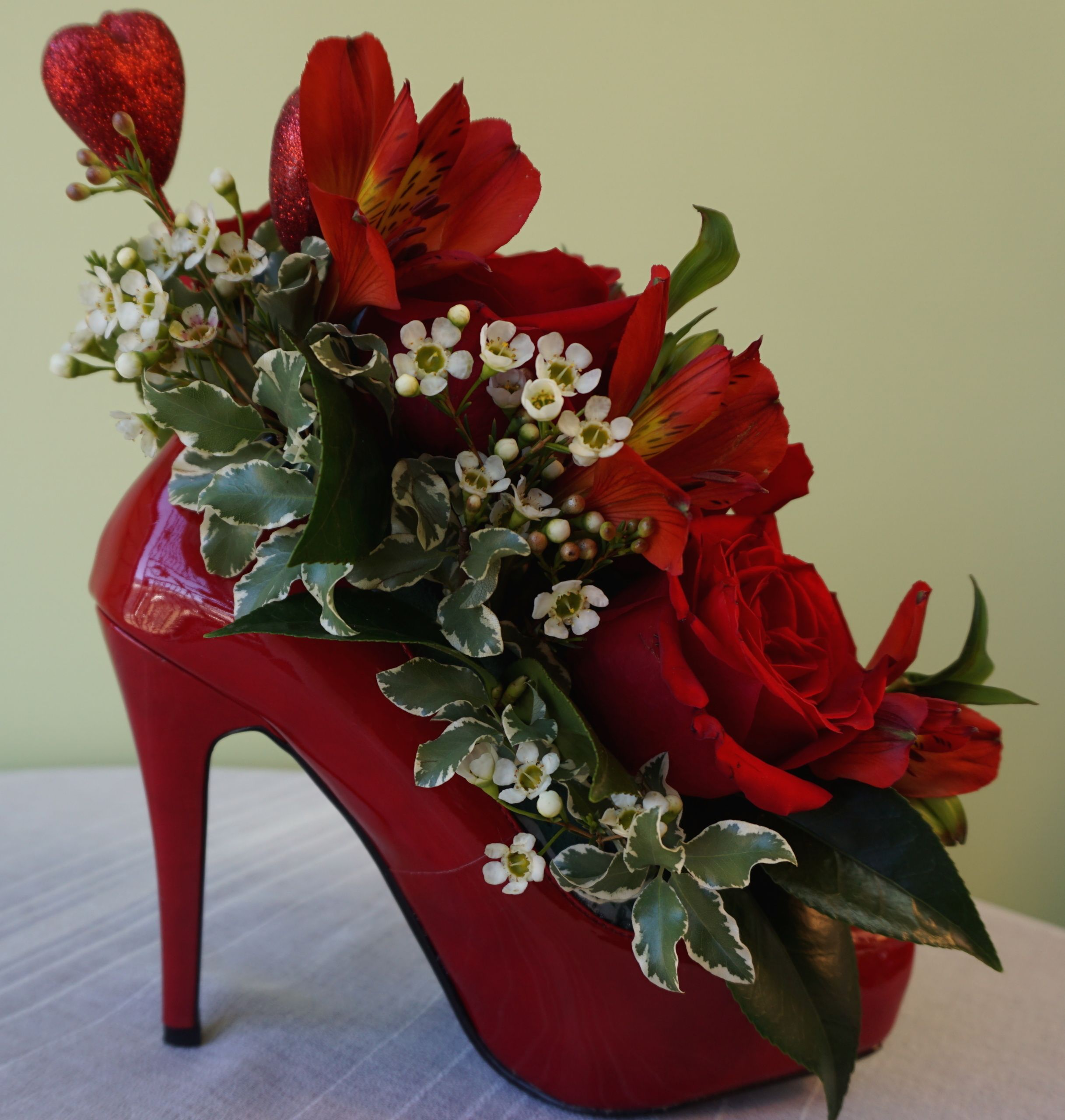 Marvelous #Flower Arrangement In A High Heel Shoe   #Home #Decor