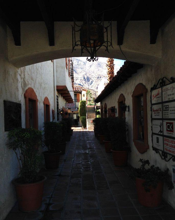 Downtown Palm Springs, California. #junitedstates - More about my trip: http://junitedstates.com/palm-springs-desert/