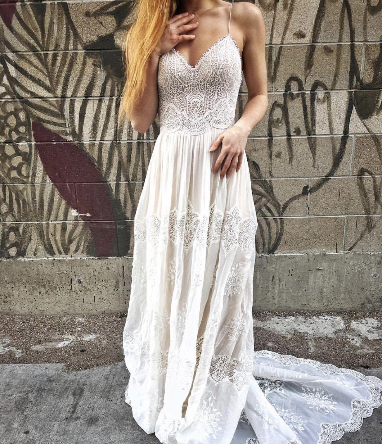 Vintage lace boho chi wedding dress open back straps flowing