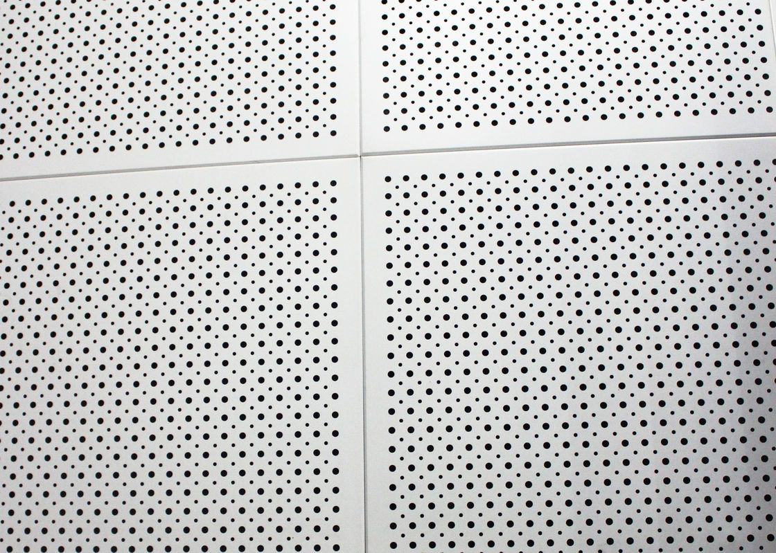 China Fireproof Colored Perforated Aluminum Ceiling Panels