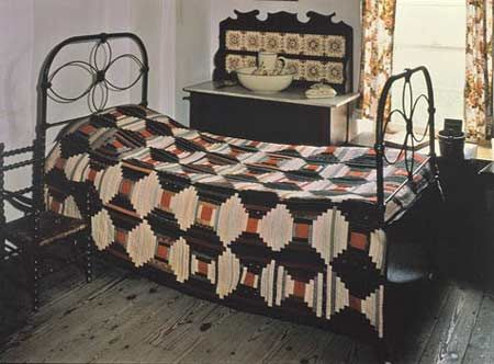 couvre lit pour lit rond Cliquez pour agrandir: Un couvre lit en bois rond faite par Mme  couvre lit pour lit rond