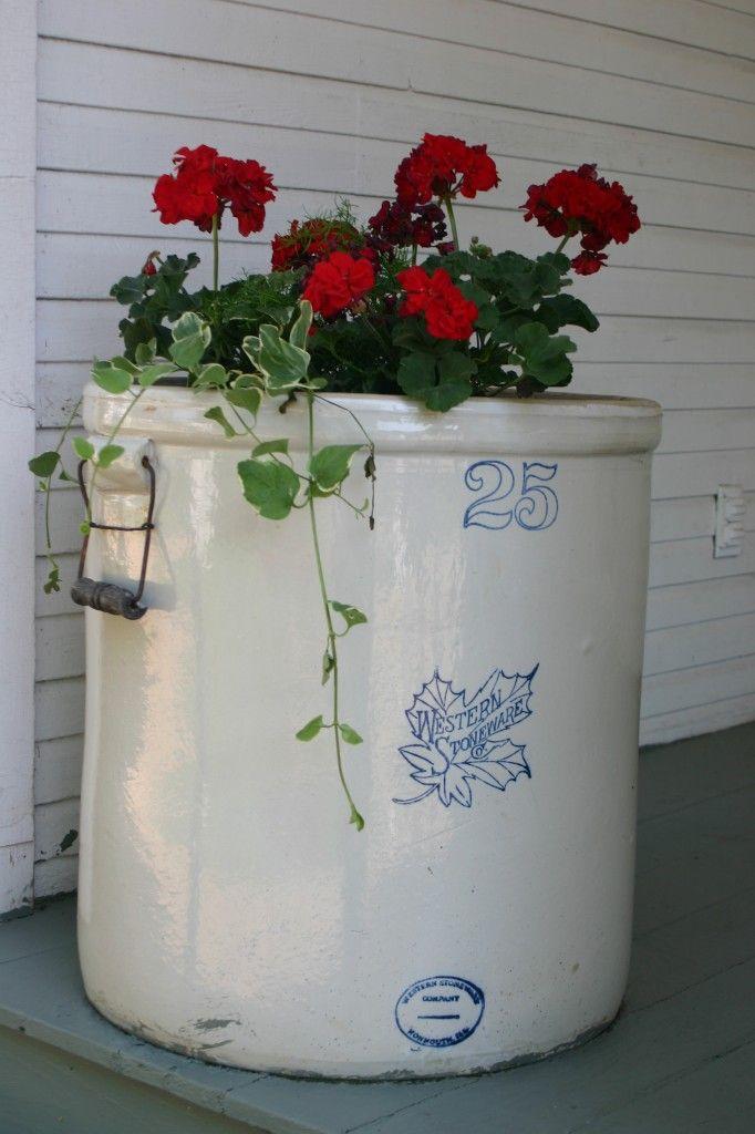 Using Antiques As Unique Planters Unique Planter Flower Pots Outdoor Flower Pots