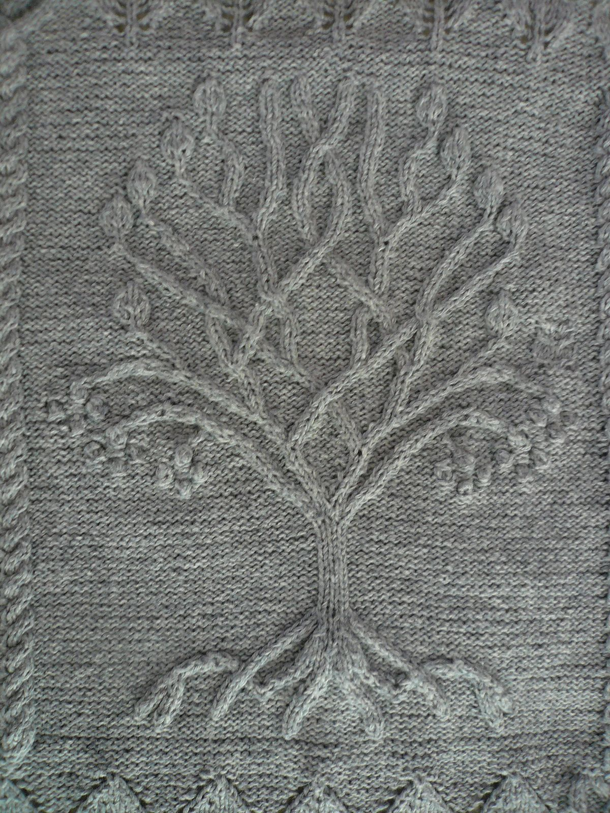 Ravelry: Tree pattern by Ariel Barton | Knitting | Pinterest ...