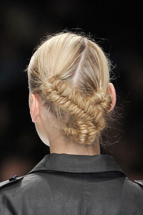 Fishtail braid twist