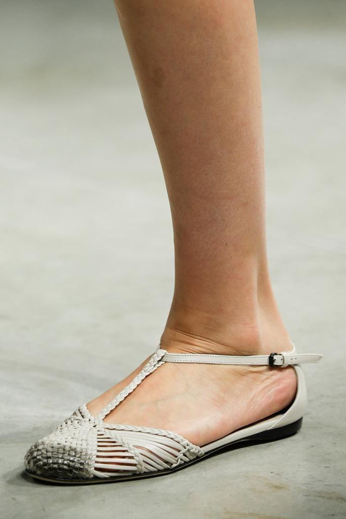 Bottega Veneta Spring 2015 Ready-to-Wear - Details - Gallery - Look 1 - Style.com