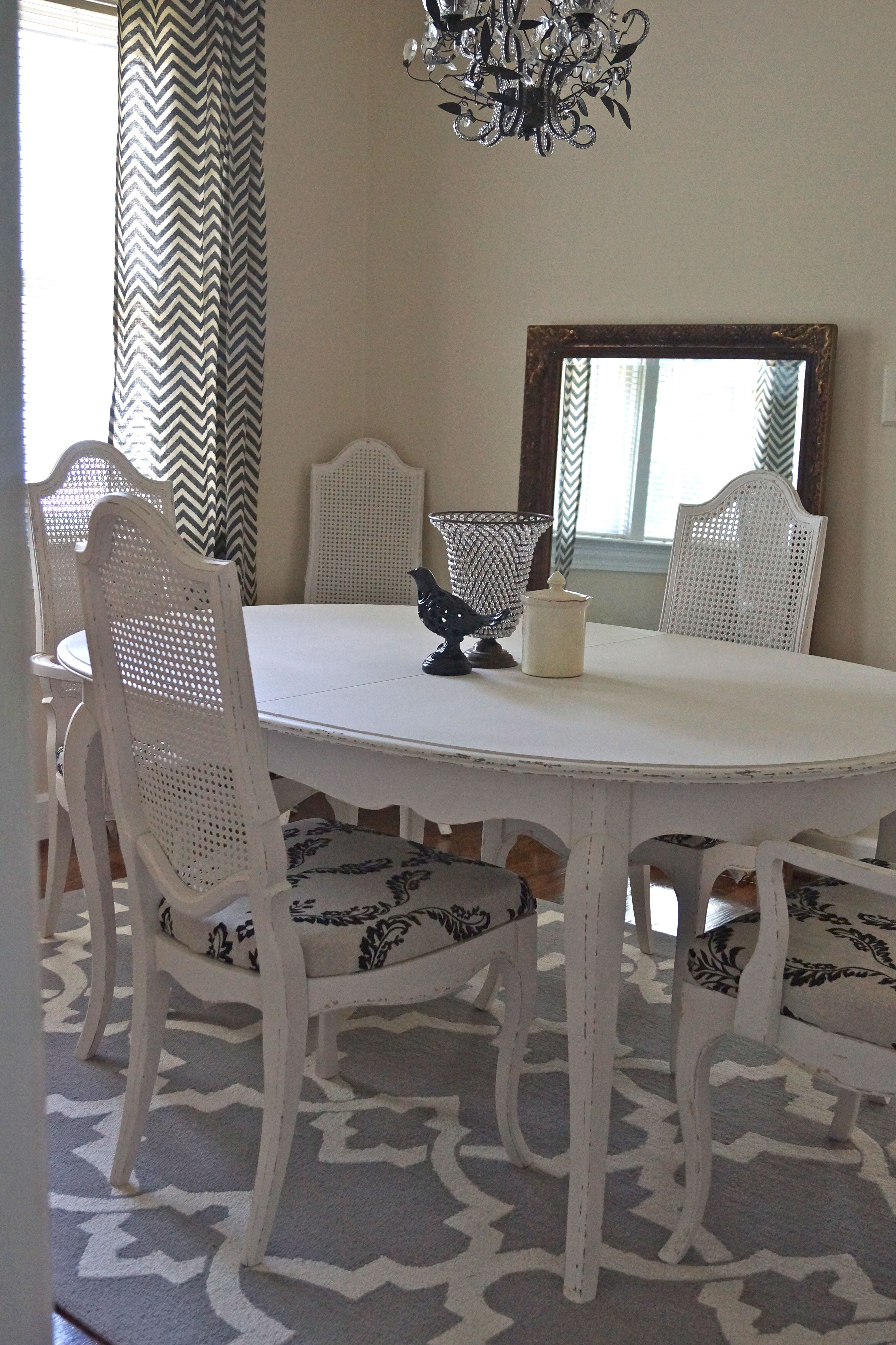 Vintage Drexel Heritage French Provincial Dining Room Table And Chairs