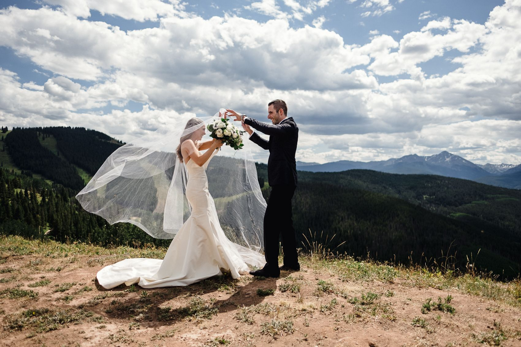 Pin By Echo Lou On Wedding In 2020 Wedding Vail Colorado Wedding Photographer Colorado Wedding