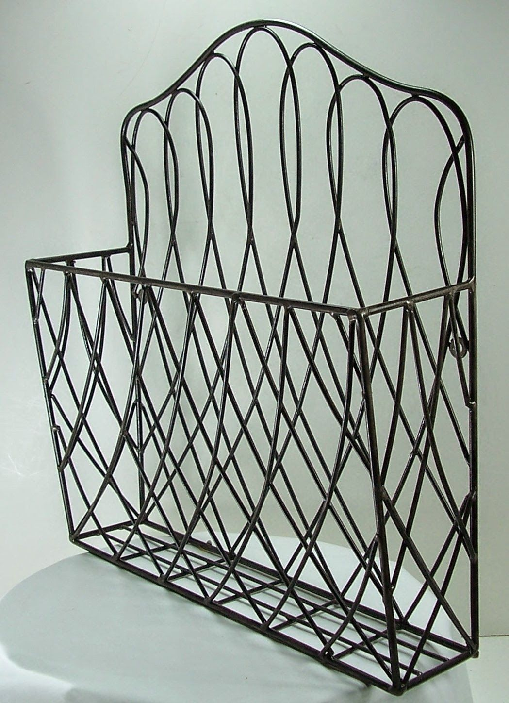 Rustic Style Metal Wire Scroll Wall Pocket Organizer Magazine Flower File Holder from my deeAuvil blog