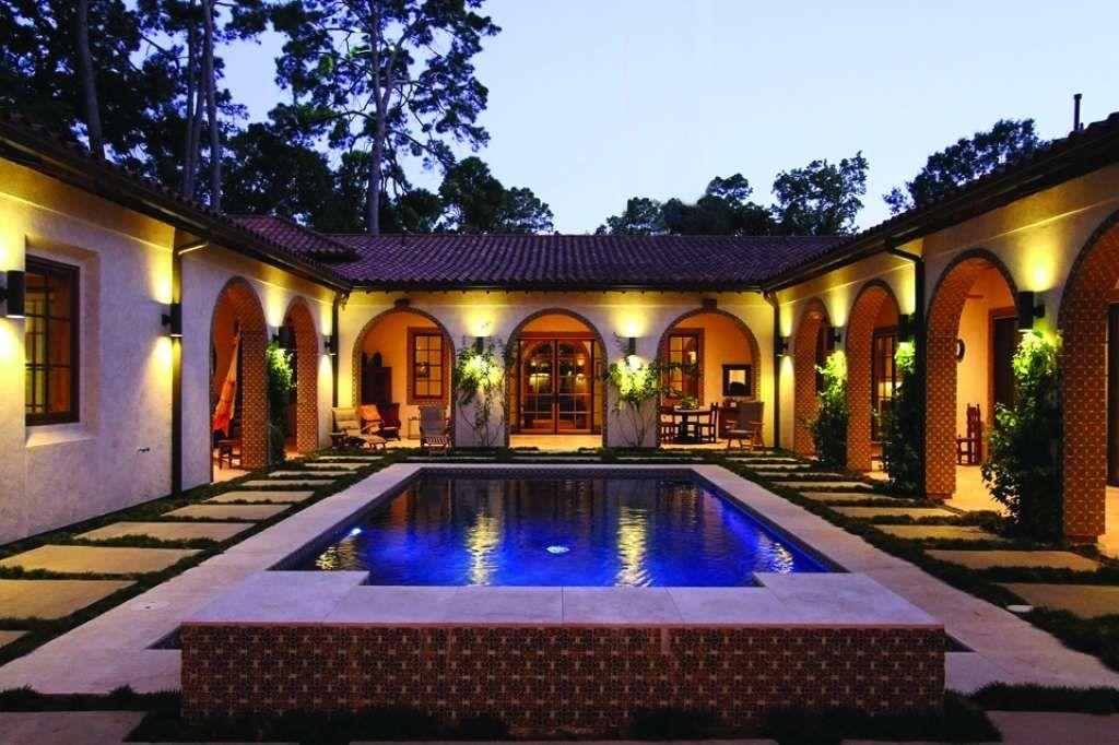 Memorial S Bayou Woods Hacienda Style Home Includes Casita Hacienda Style Homes Courtyard House Plans Spanish Style Homes