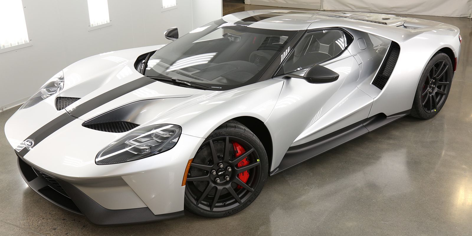 The Lightweight Ford Gt Competition Series Still Weighs More Than 3000 Pounds Ford Gt Car Ford Super Cars
