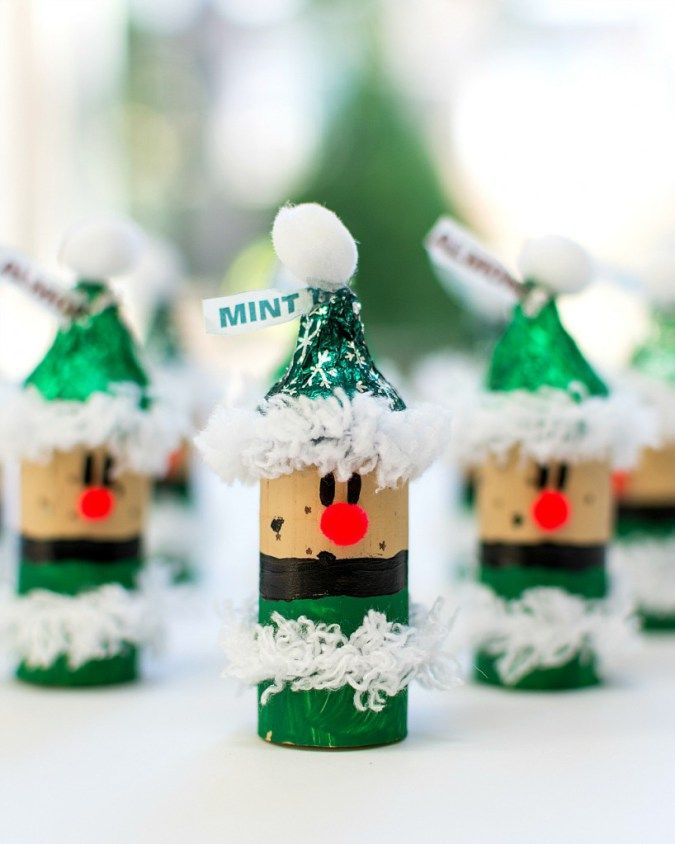 11 wine cork christmas crafts thatll make you say aww cork gift labels and christmas wine