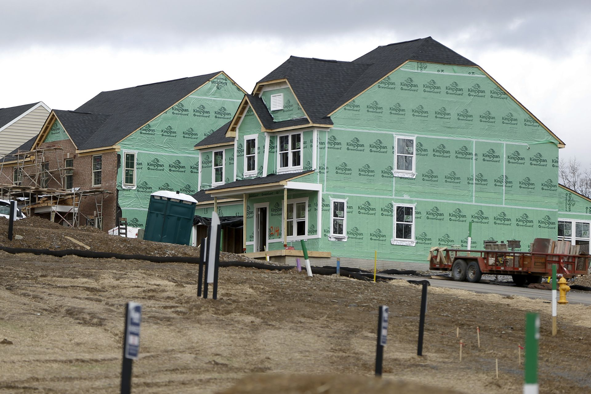 Us Housing Starts Fall On Weak Single Family Homebuilding Building A House California Homes House Prices