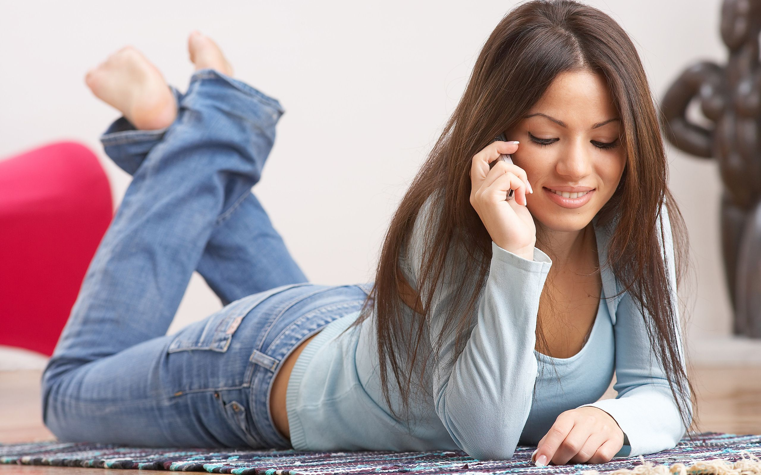 Wallpaper <b>Girl</b> <b>Barefoot</b> In <b>Jeans</b> And A Blue ...