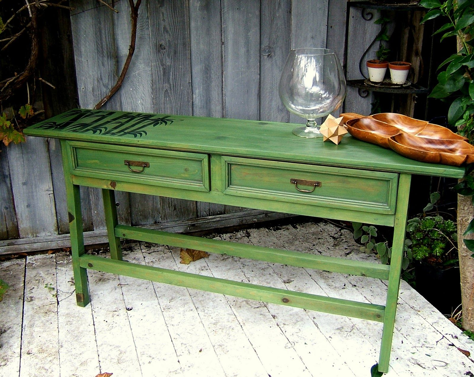 Jesse From Nine Red Used Minwax Water Based Wood Stain In Green Tea To Revitalize This Sofatable Diy Color Woodstain