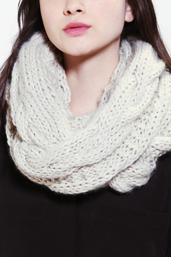 Chunky Cable-Knit Eternity Scarf