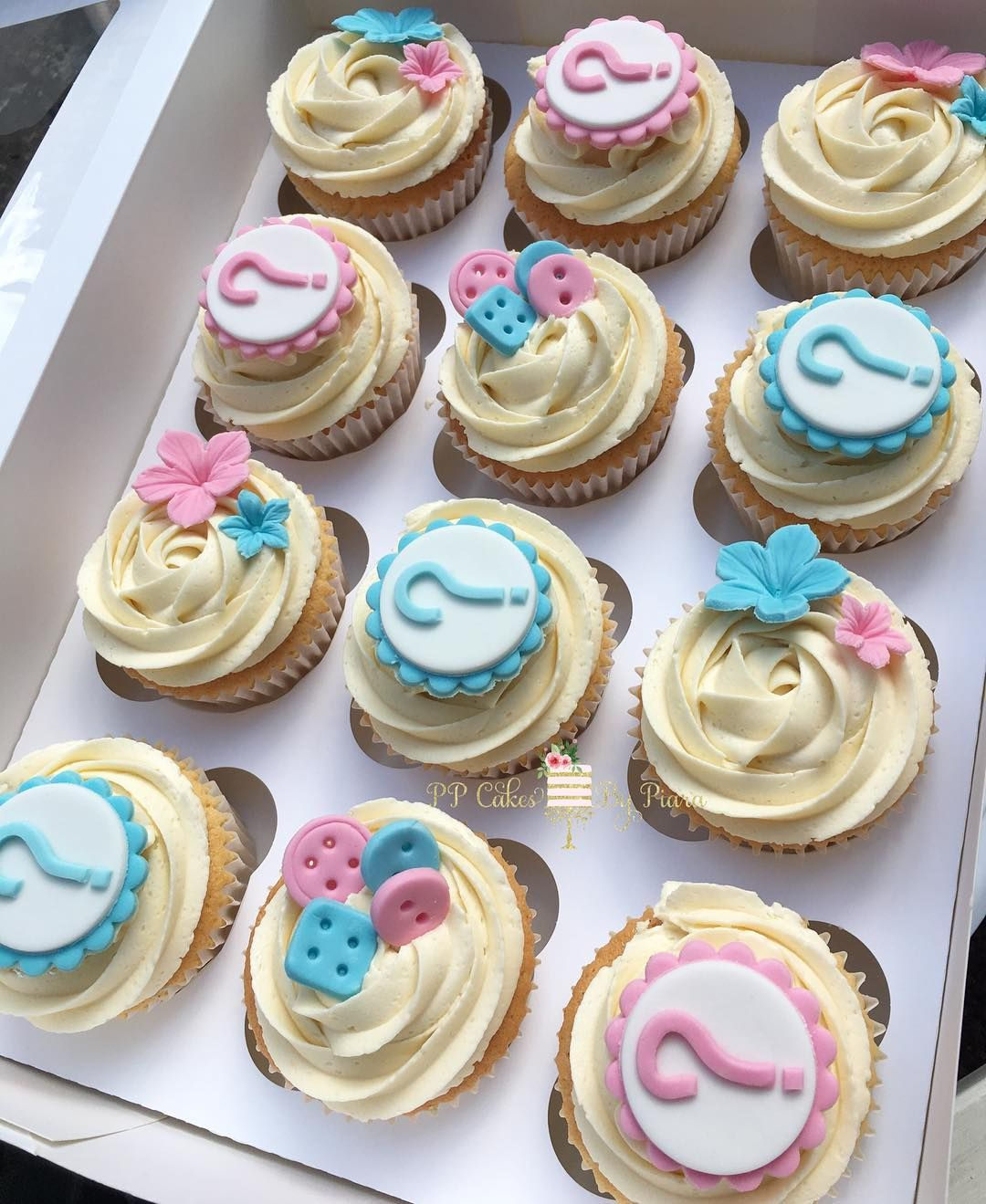 Cute Gender Reveal Cupcakes With Images Gender Reveal Cupcakes