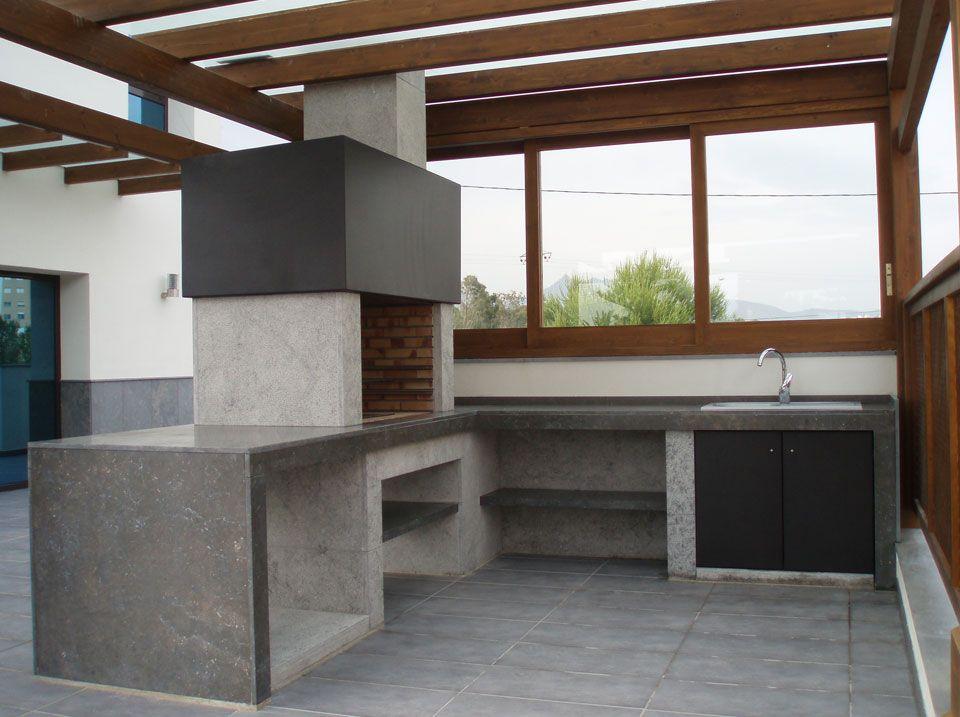 Barbacoa moderna de m rmol a medida san vicente pulido y for Barbacoas de piedra para jardin