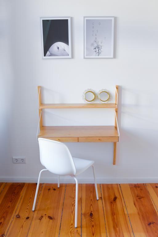Minimalistisches Homeoffice mit schönem Dielenboden und simpler - homeoffice einrichtung ideen interieur